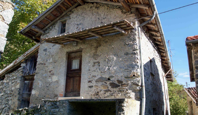 Rustico Bellagio Rovenza8