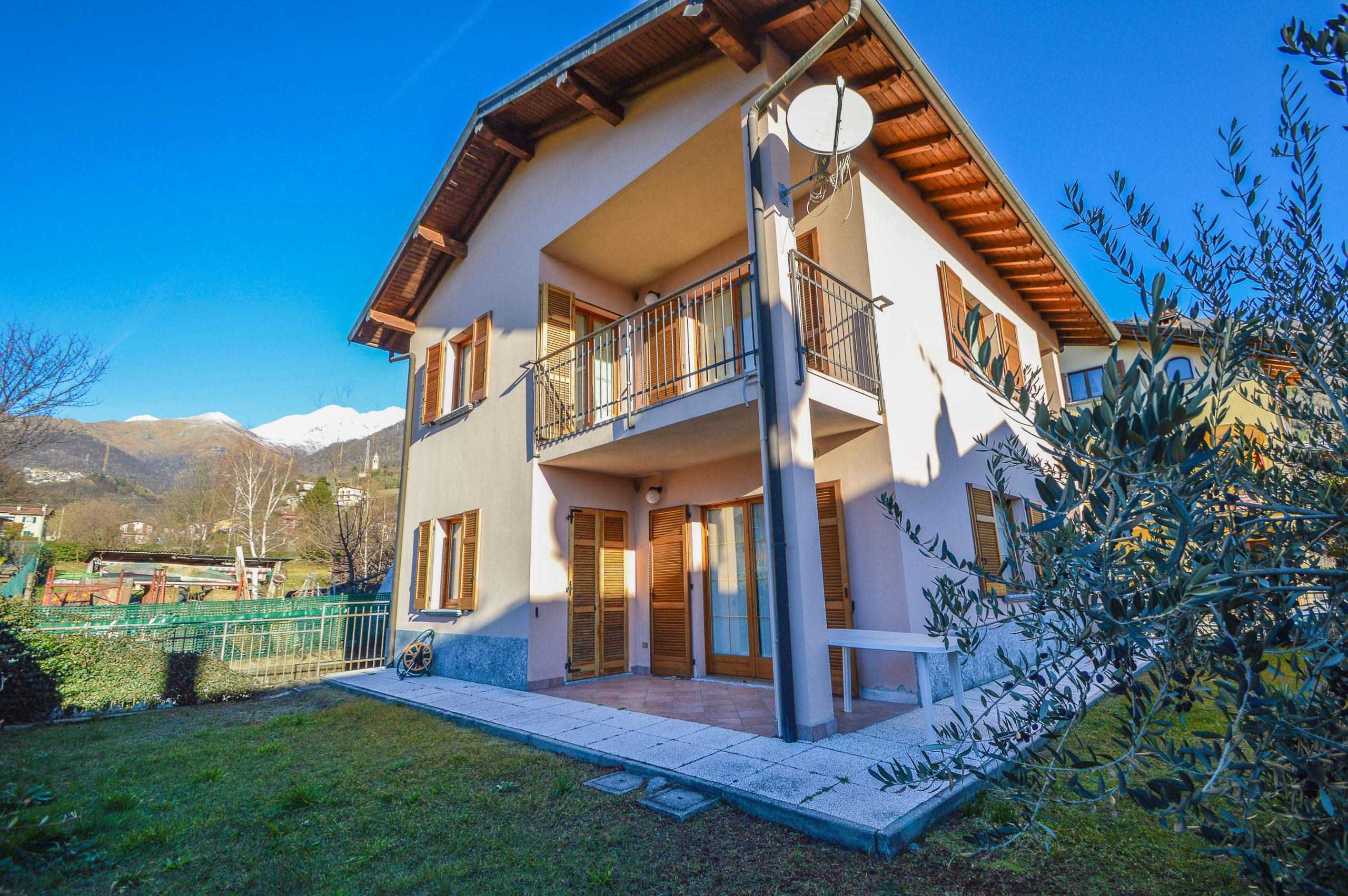 Villa Bifamiliare Gravedona