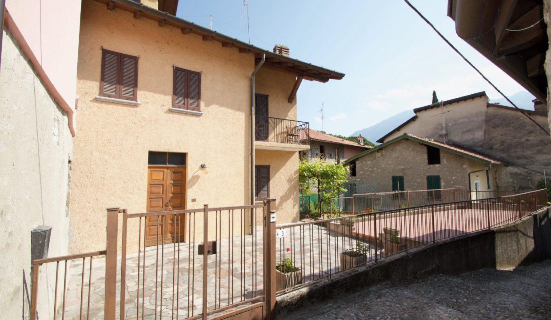 Casa Indipendente Oliveto Lario1